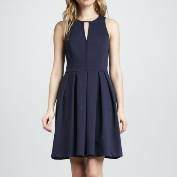 Rebecca Taylor Dresses & Skirts - CLEARANCE Rebeccca Taylor Pleated Keyhole Dress
